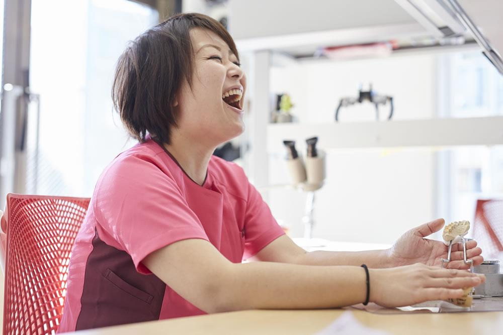 女性歯科技工士あいさつ